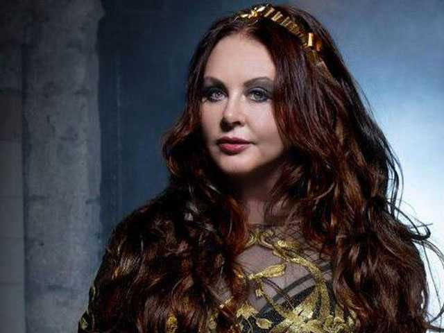 As She Embarks on 'Hymn' Tour, Sarah Brightman Sings a Message of Hope