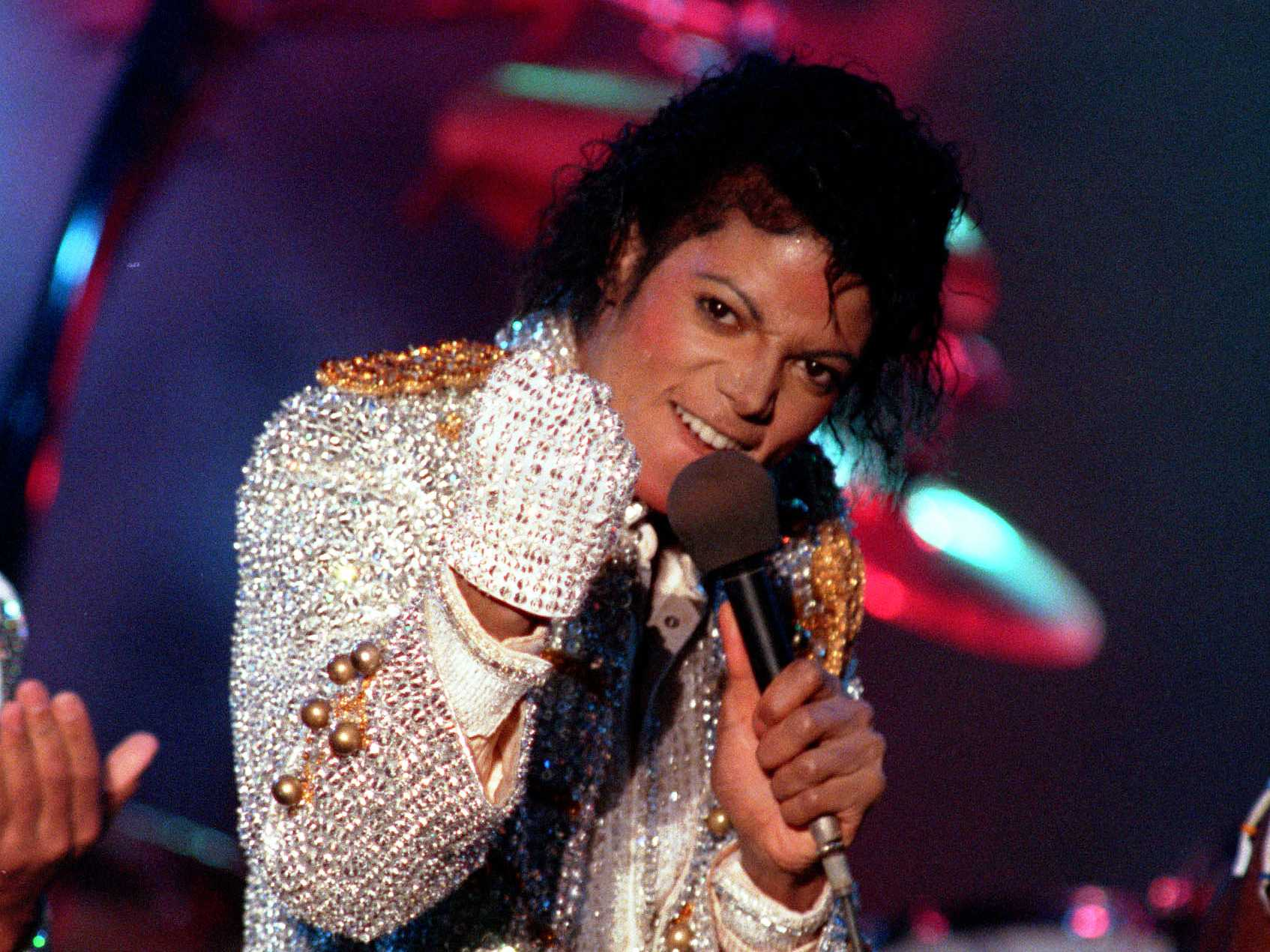 Michael Jackson Wax Statue Removed by Danish Mall