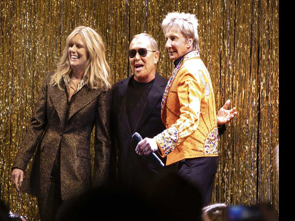 Michael Kors Throws a 70s Bash with Barry Manilow at NY Fashion Week