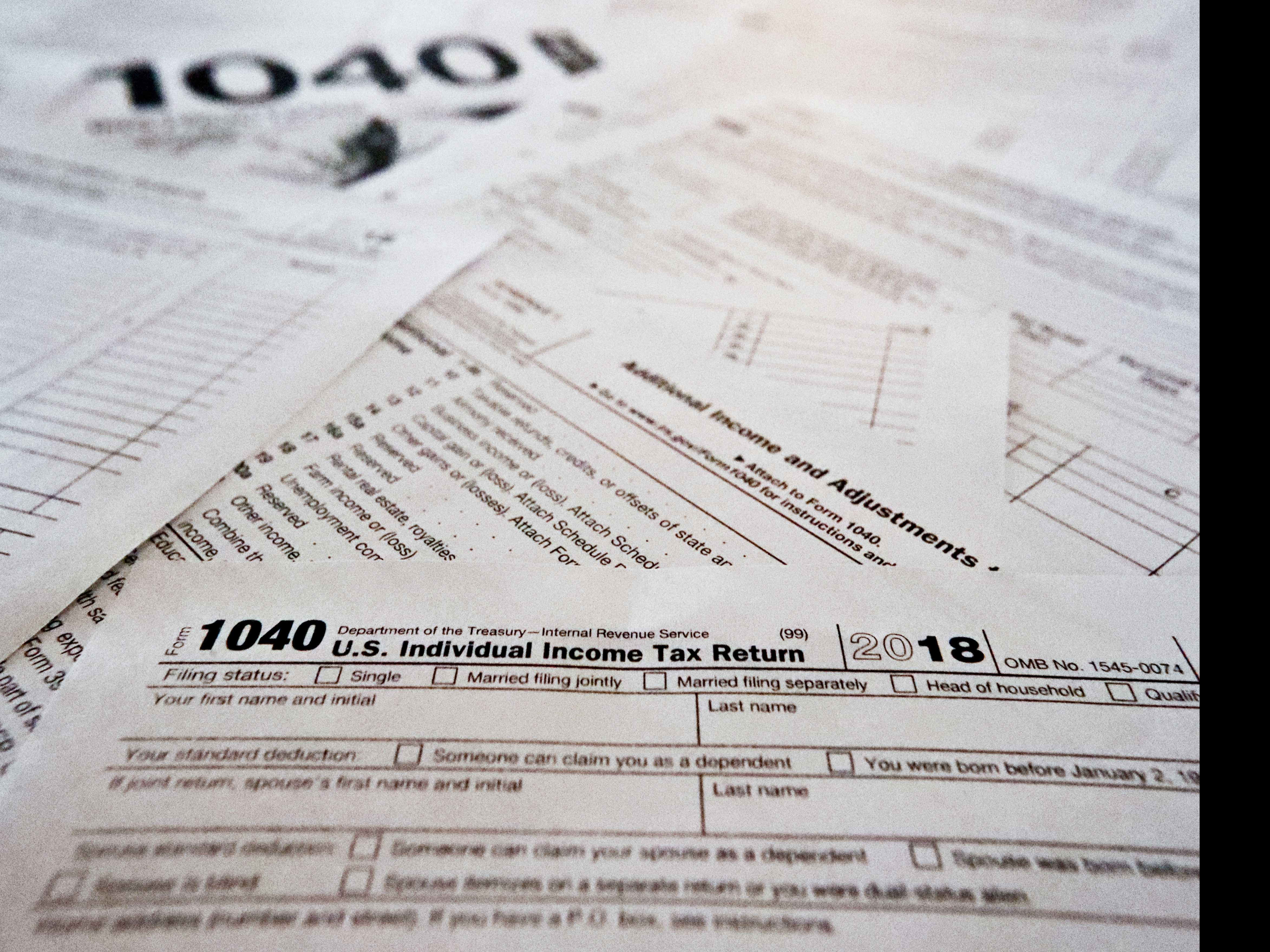 Average Tax Refunds Fall, Creating Political Flashpoint