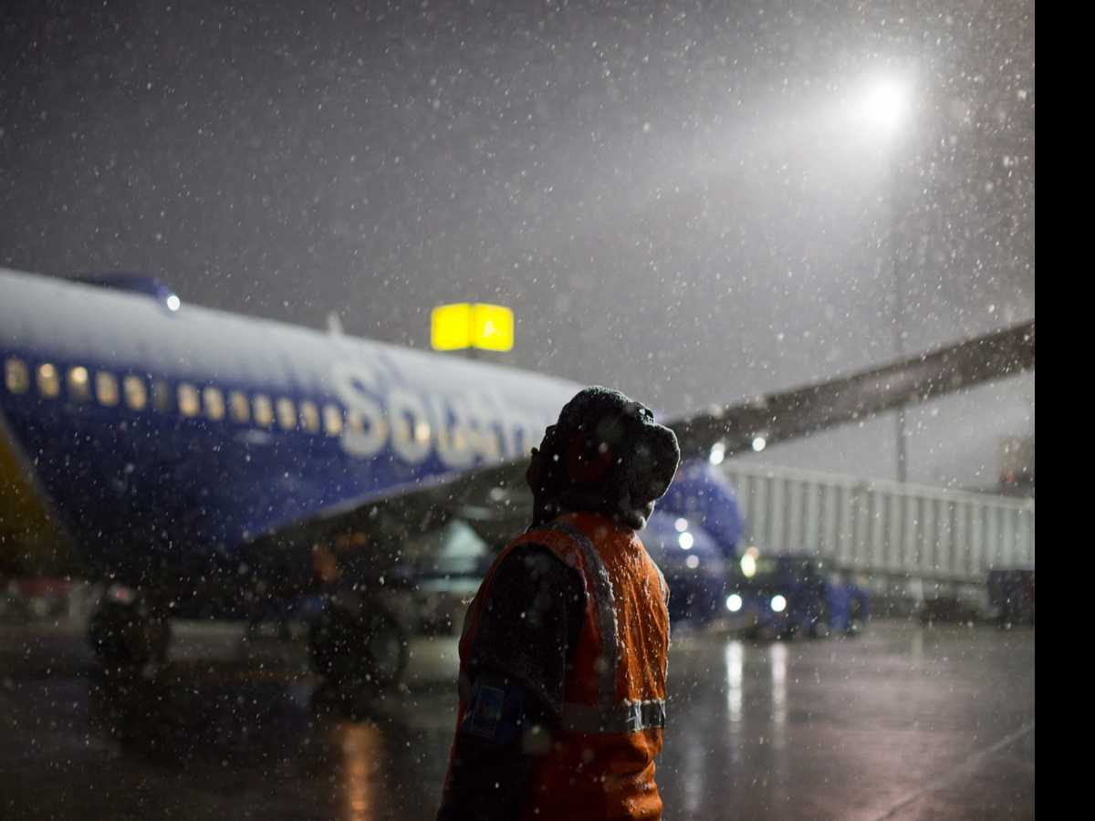 Computer Outage Adds to Southwest's Weather Delays