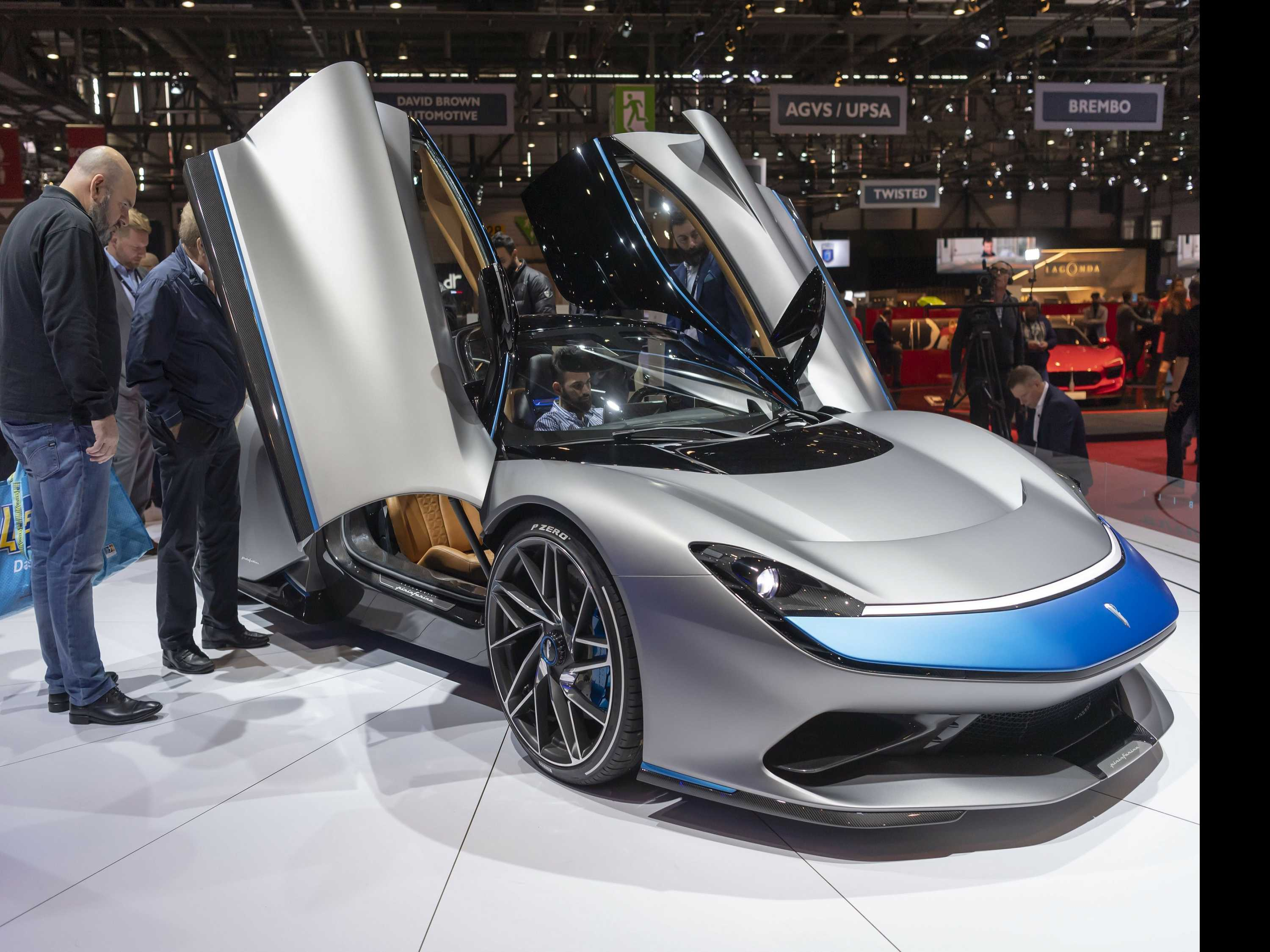 Looking is Free: High-End Rides Abundant at Geneva Auto Show