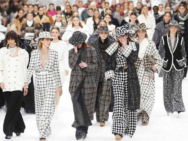 Chanel in the Sky: VIP's Weep at Lagerfeld's Last Show