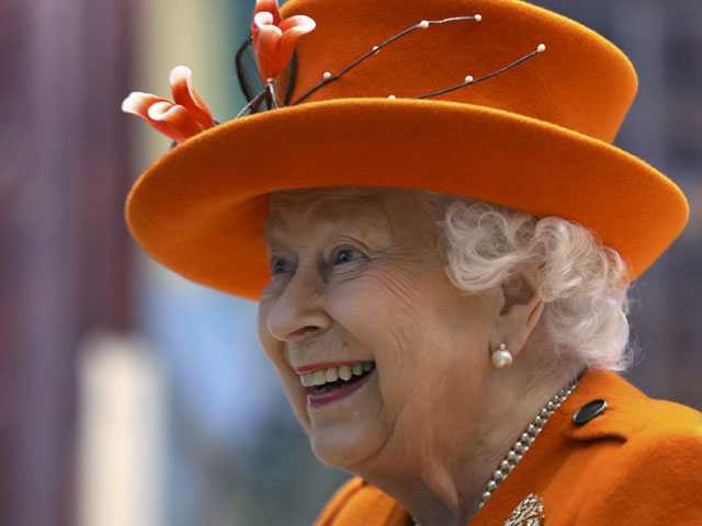 Insta-Monarch: Queen Elizabeth Makes First Instagram Post