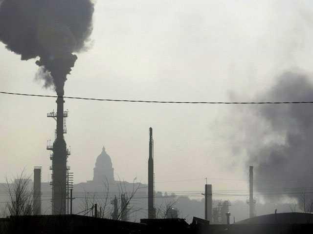 Blacks, Hispanics Breathe More Pollution Than They Make