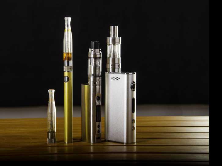 U.S. Health Officials Move to Tighten Sales of E-Cigarettes