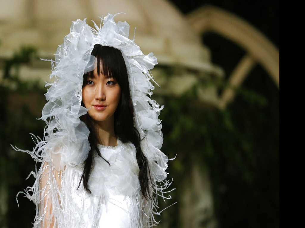 Top Wedding Trends: Tulle turbans to Carbon Neutrality