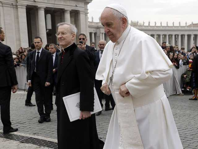 Vatican Receives Lawyers Opposed to Criminalization of Gays