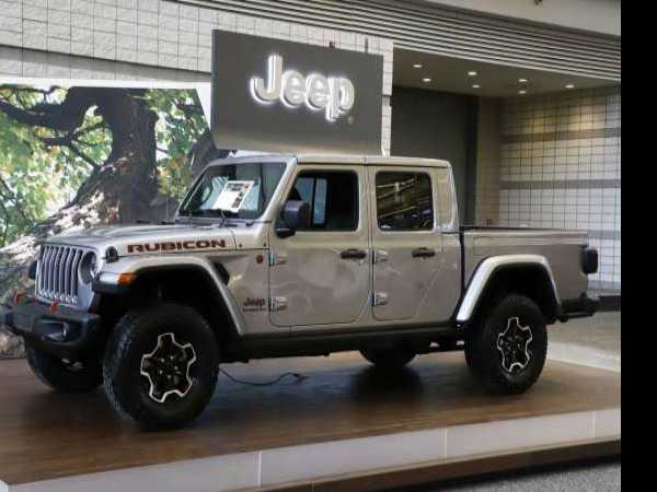 Edmunds Compares Jeep Gladiator with Colorado, Tacoma