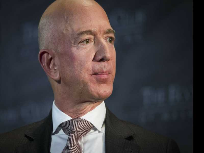 Bezos, Hunting for Big Wins, is Comfortable with Big Fails
