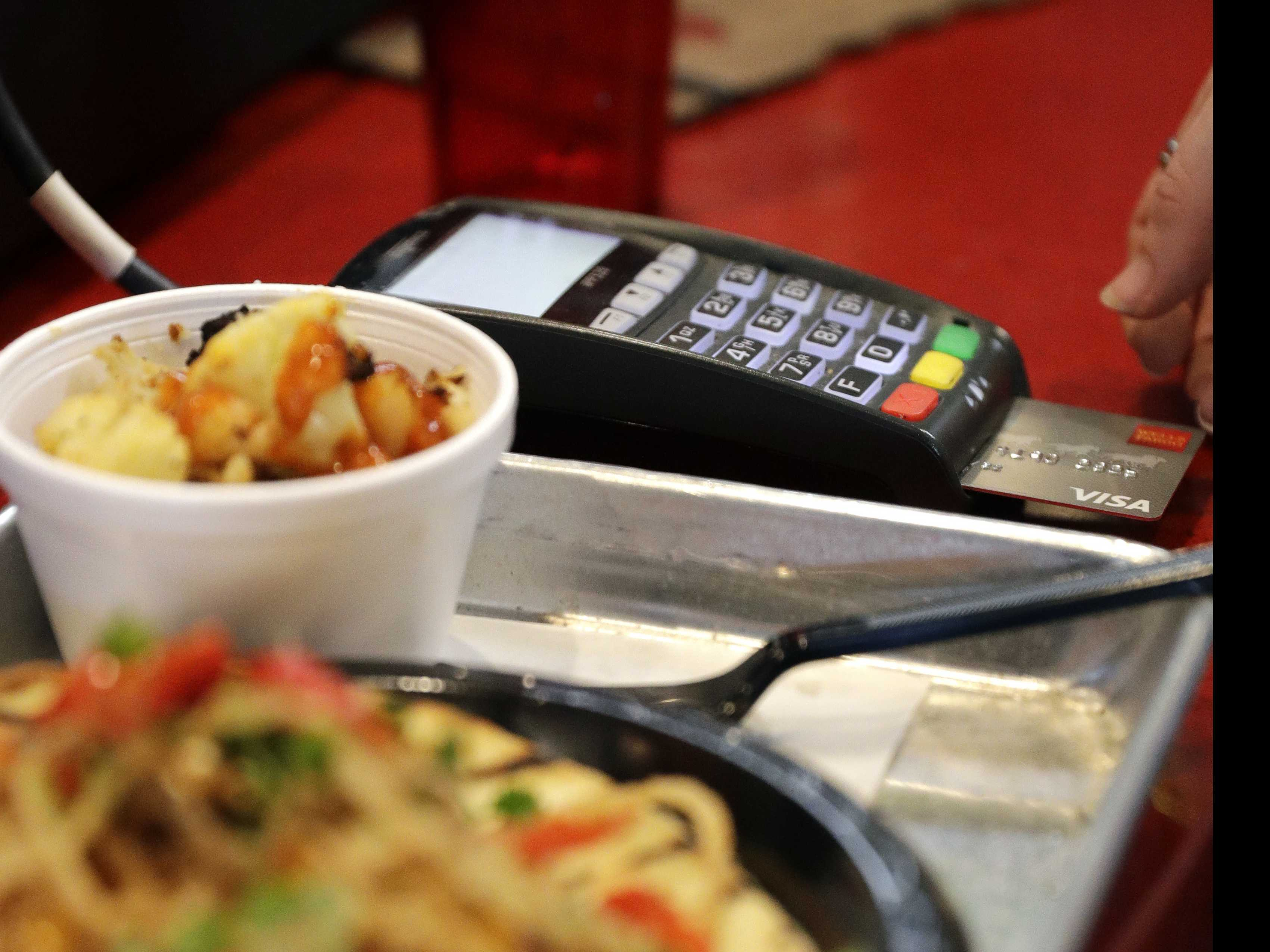 As Cashless Stores Grow, So Does Backlash