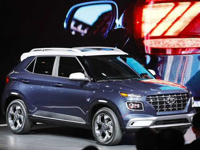 Sleek New SUVs Dominate Reveals at New York Auto Show