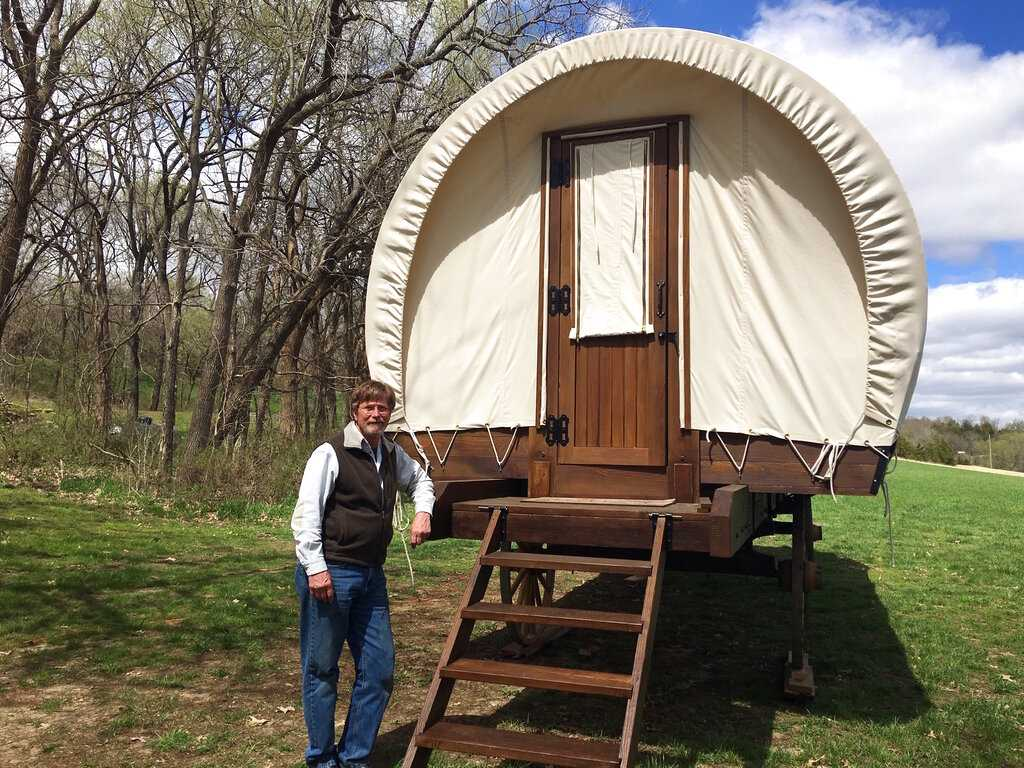 Kansas Couple Designs Covered Wagons for Glamping