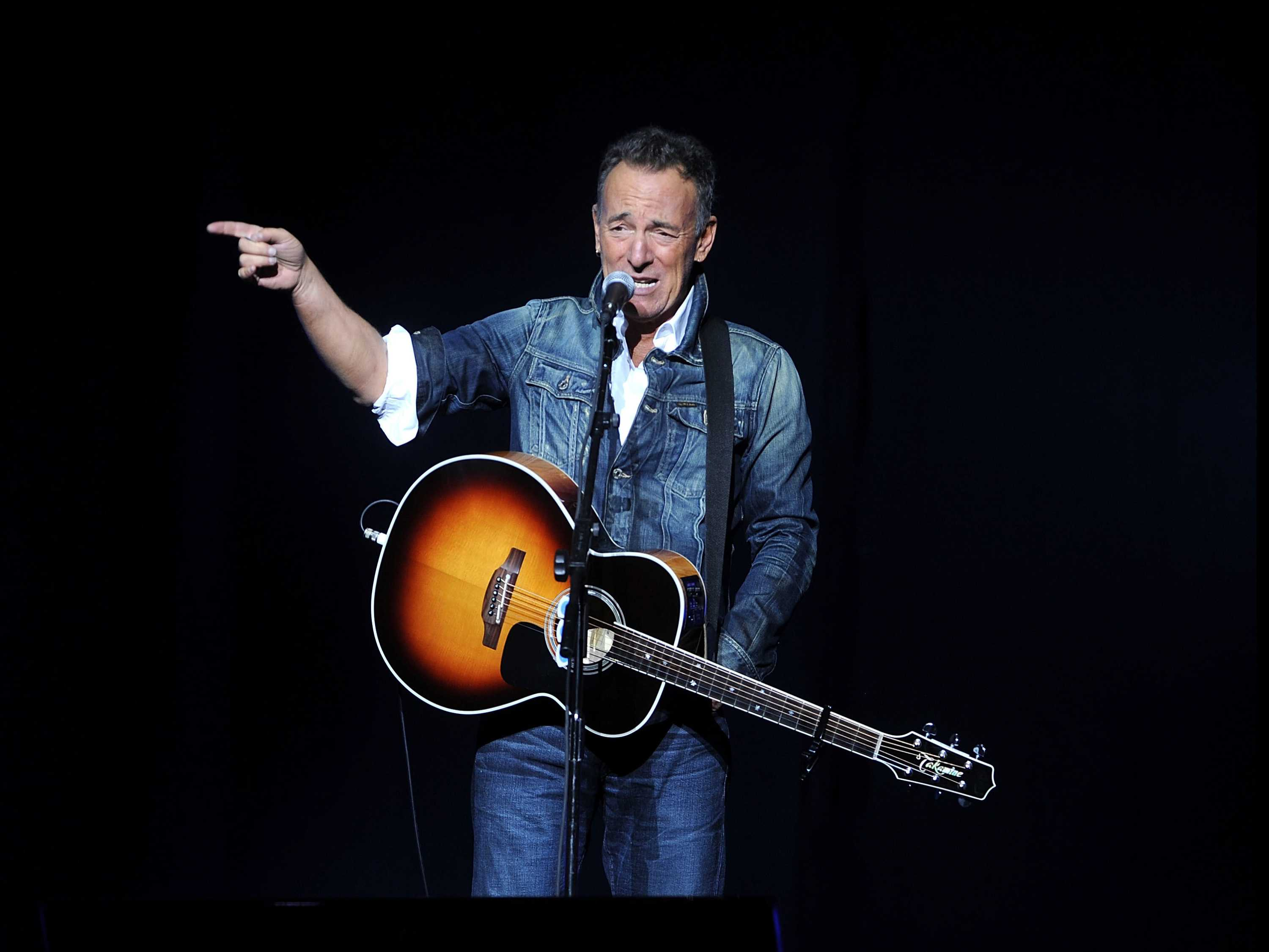 Bruce Springsteen Readies a Western-Style Album
