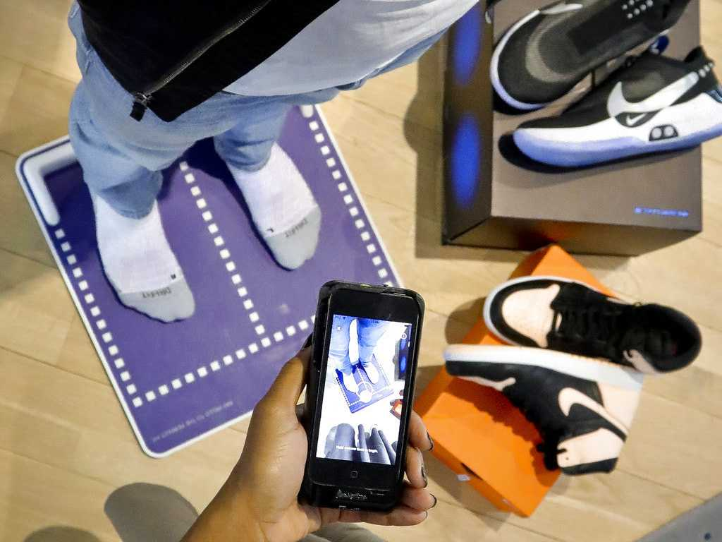 Nike's Plan for Better-Fitting Kicks: Show Us Your Feet