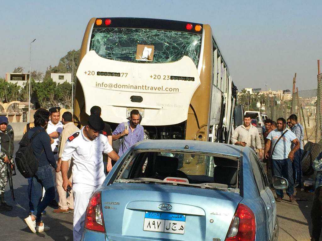 Bomb Hits Tourist Bus Near Egypt's Giza Pyramids