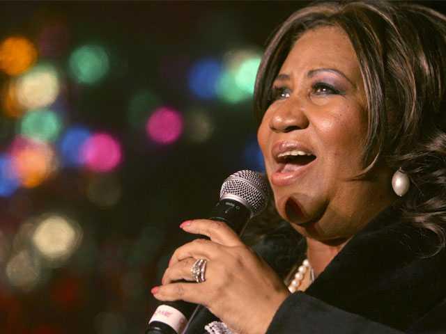Handwritten Wills Shake Up Aretha Franklin's Estate