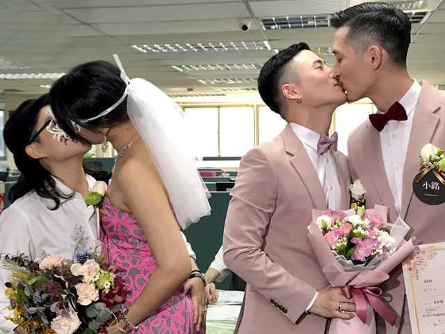Same-Sex Couples Start Registering Marriages in Taiwan
