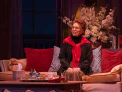 Faye Dunaway Channels Katharine Hepburn in 'Tea at Five'