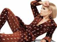 PopUps: Carly Rae Jepsen Reveals She Made a New Album in Quarantine
