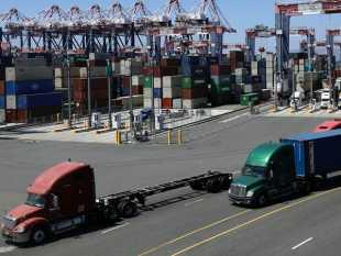 California Considers 1st-in-U.S. Electric Truck Sales Rule