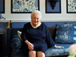 Old Hollywood Lives On: Dame Olivia de Havilland Turns 104