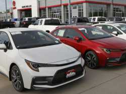 Edmunds: With Low Interest Rates, Should You Lease or Buy?