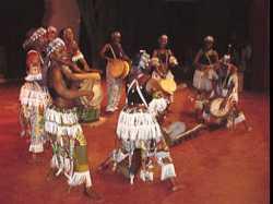 Amazones: Women Master Drummers of Guinea