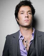 Rufus Wainwright,the wizard of awes