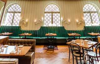 Gibson, an elegant eatery in the theatre district