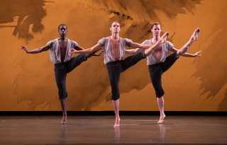 Mark Morris Dance Group masters Mozart