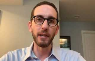 Wiener fights back against QAnon conspiracies over sex offender registry bill
