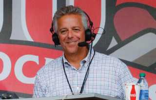 Brennaman suspended over on-air gay slur during MLB broadcast
