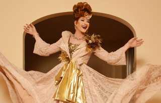 Katya Smirnoff-Skyy's 'Spectacular'- Russian opera diva's holiday concert's online