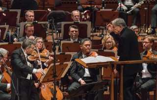 SF Symphony records Berg's assured atonal works